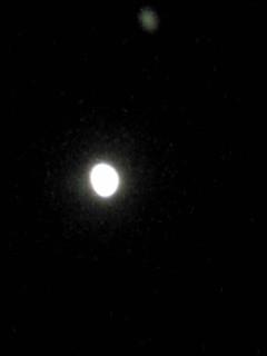 昨日見た月、今日の月