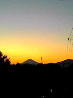 今日の夕焼けと富士