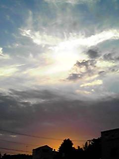 梅雨明けの夕空だけど…