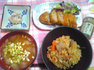 お弁当のお惣菜で夕飯もね!