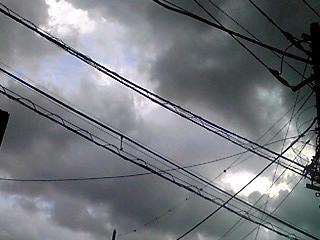 今日の空は複雑な雲がいっぱいでしたが…