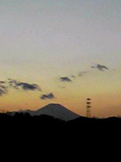 久しぶりの長散歩で夕焼け富士と出会えました!