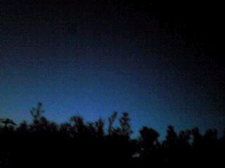 夕暮れと夜の狭間の空の彩り