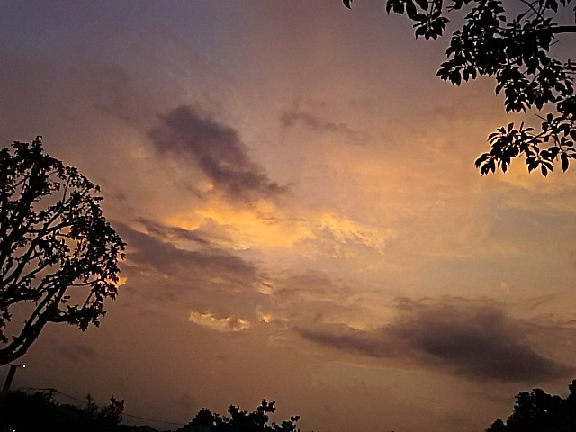 夕方散歩の空景色を久しぶりで写して来ました!