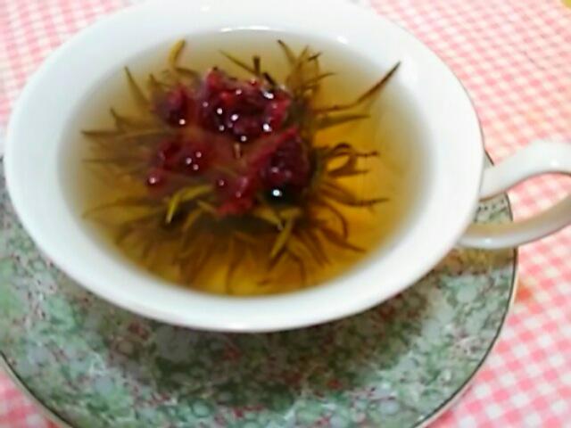 中国のお土産で工芸花茶を頂きました♪